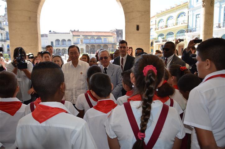 Espacios asociados con la educación de niños y adolescentes en la Plaza Vieja, potenciados por la Oficina del Historiador, fueron también motivo del interés del Secretario General de Naciones Unidas