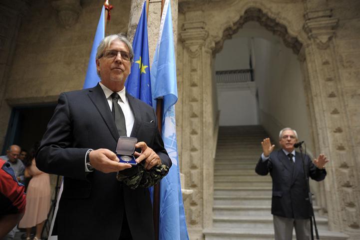 """""""Se vencieron las dificultades para hacer llegar las cosas a Cuba y se encontró el garante, que merece no solamente el respeto sino nuestro apoyo: la UNESCO"""". Fotos: Néstor Martí"""